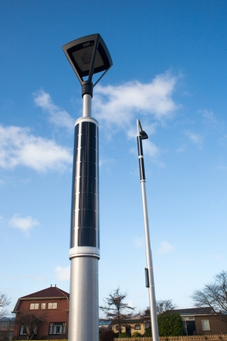 Solar pole Soluxio with self-chosen luminaires