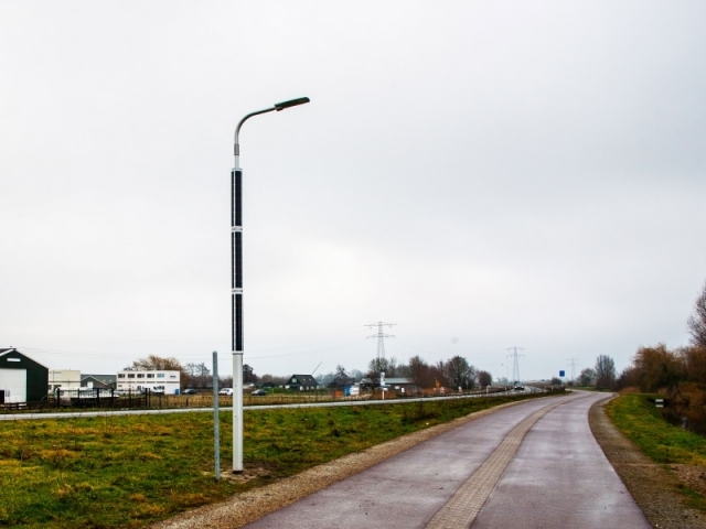 Soluxio solar light pole at rural road