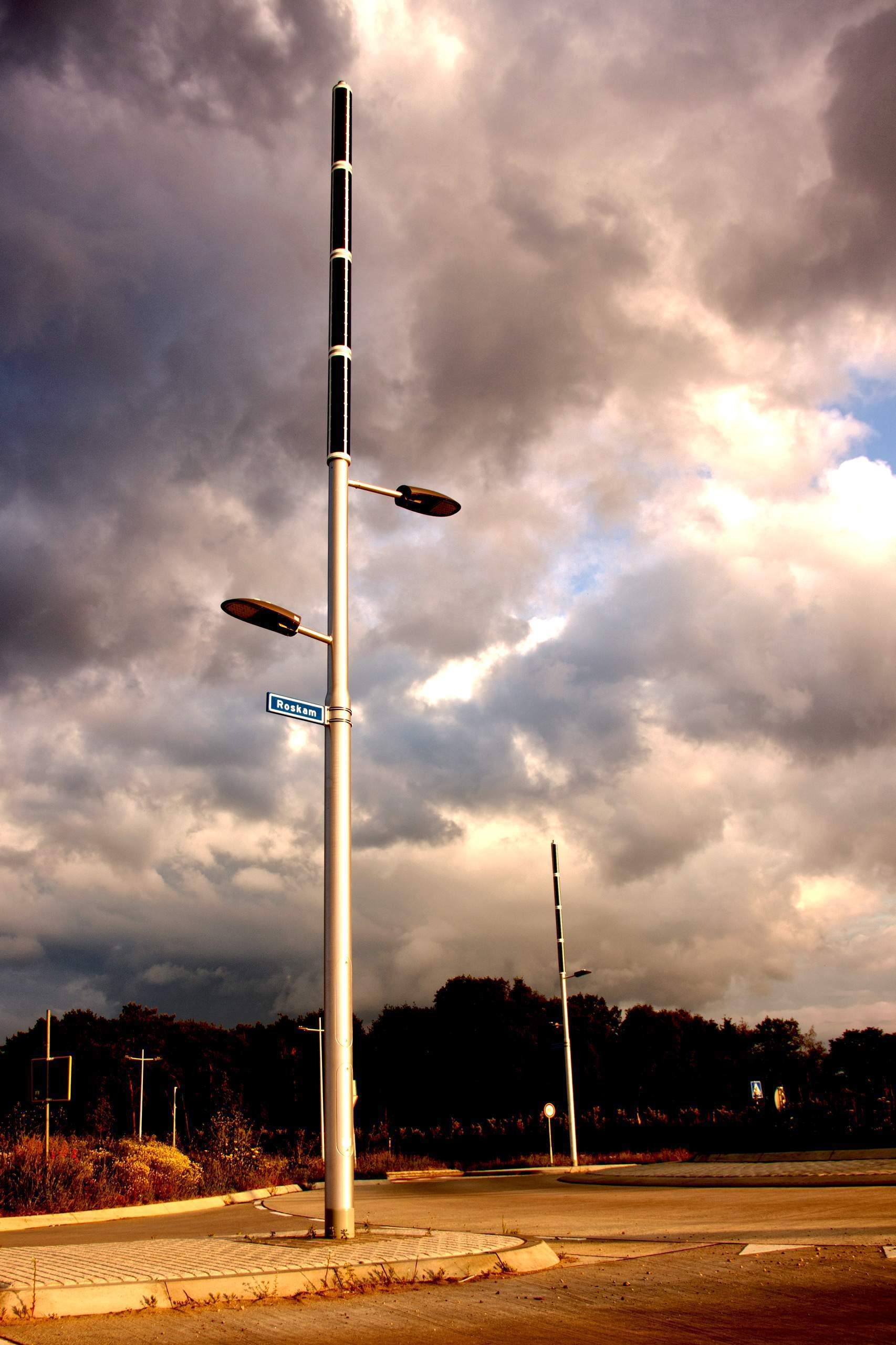 Soluxio hybrid solar lights are dark sky compliance and installed at an autonomous and sustainable roundabout