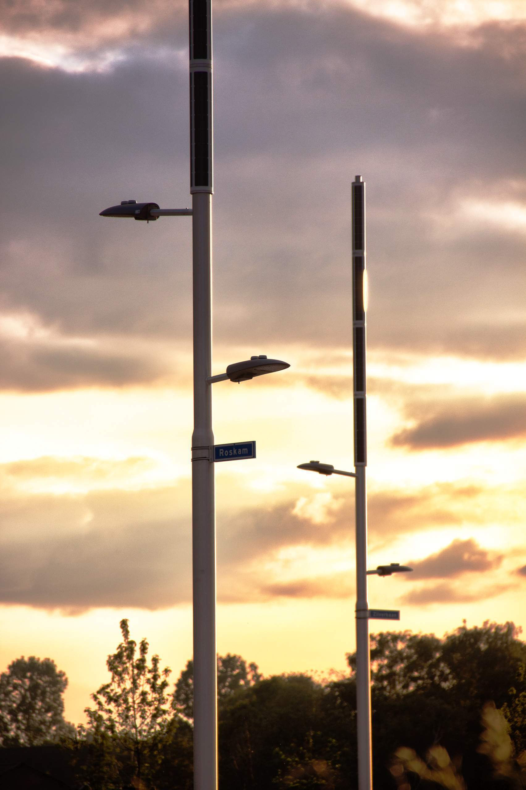 Soluxio hybrid solar light with exclusive design and sustainable solar streetlight