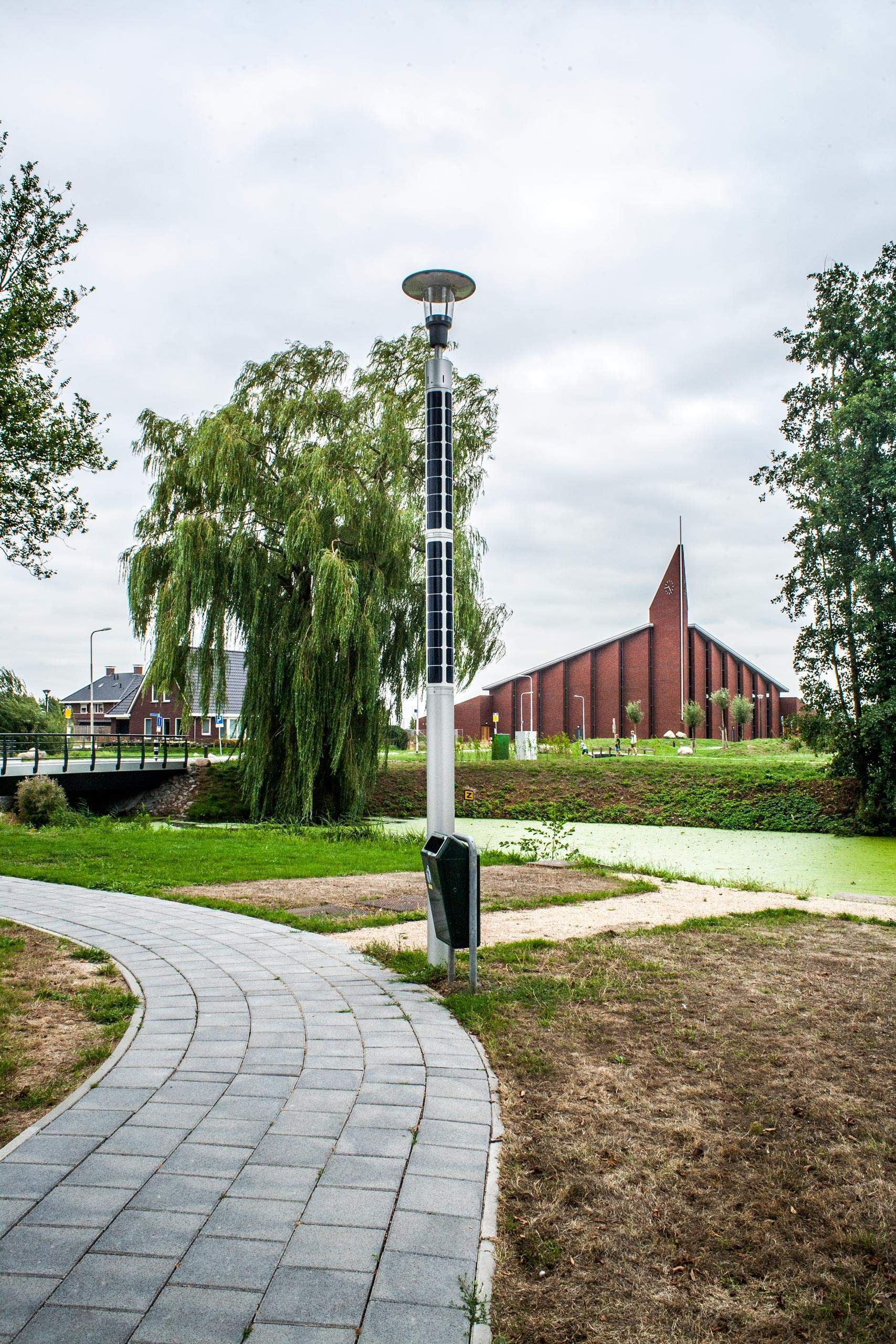 Soluxio solar landscape lighting used for pathway lighting