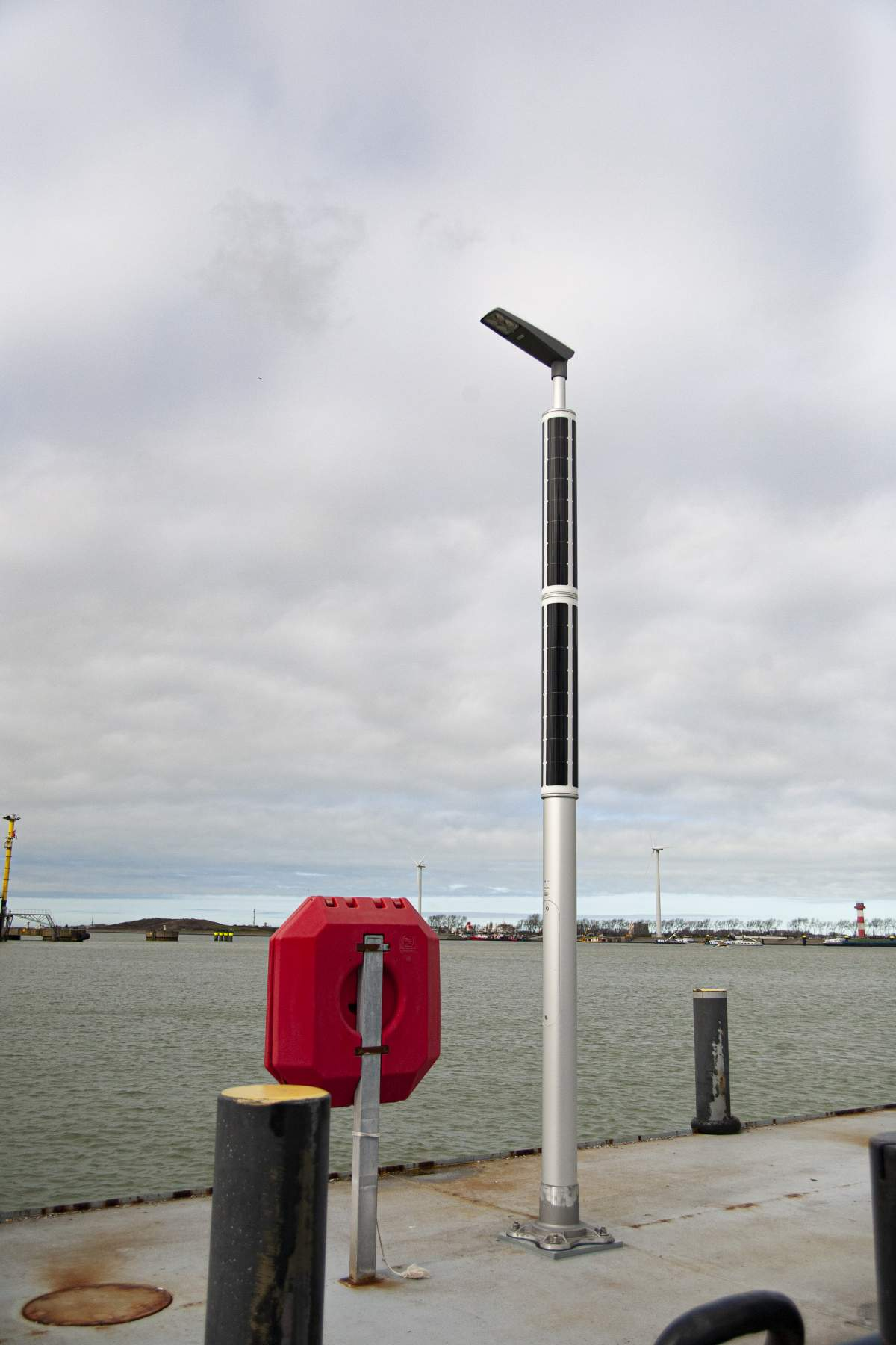 Soluxio solar light pole industrial at dock