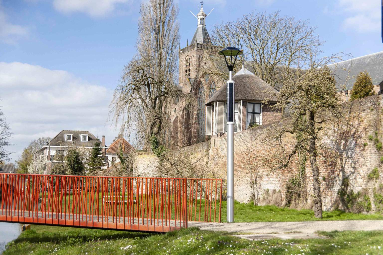 Soluxio solar pathway light in Dutch fortified town