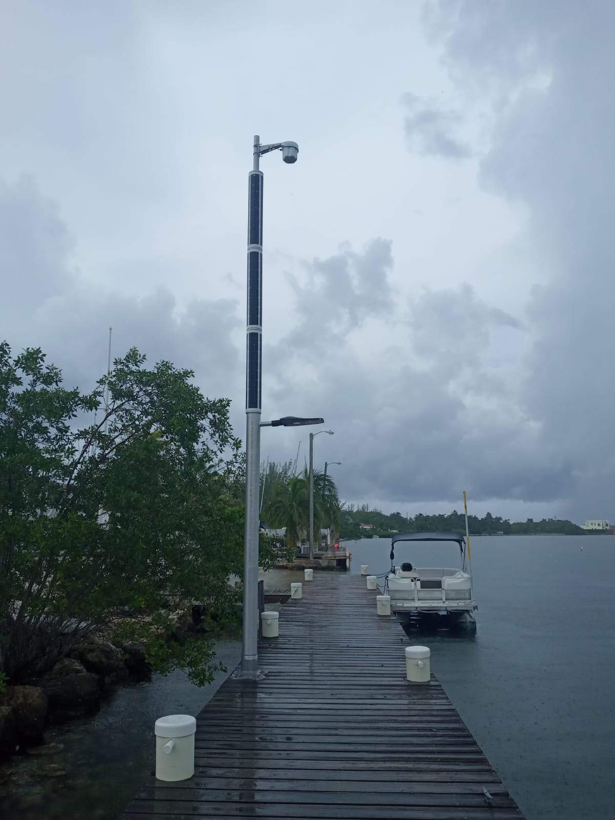 marina-lighting-with-wifi-pv-power