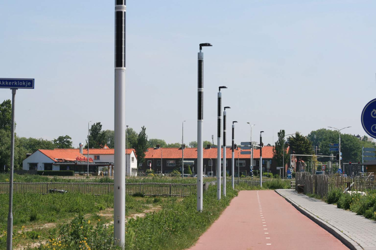 Soluxio solar light poles eco friendly at cycling street
