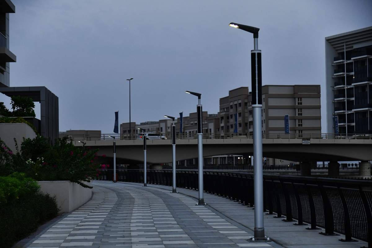 Soluxio boulevard lighting with solar panels