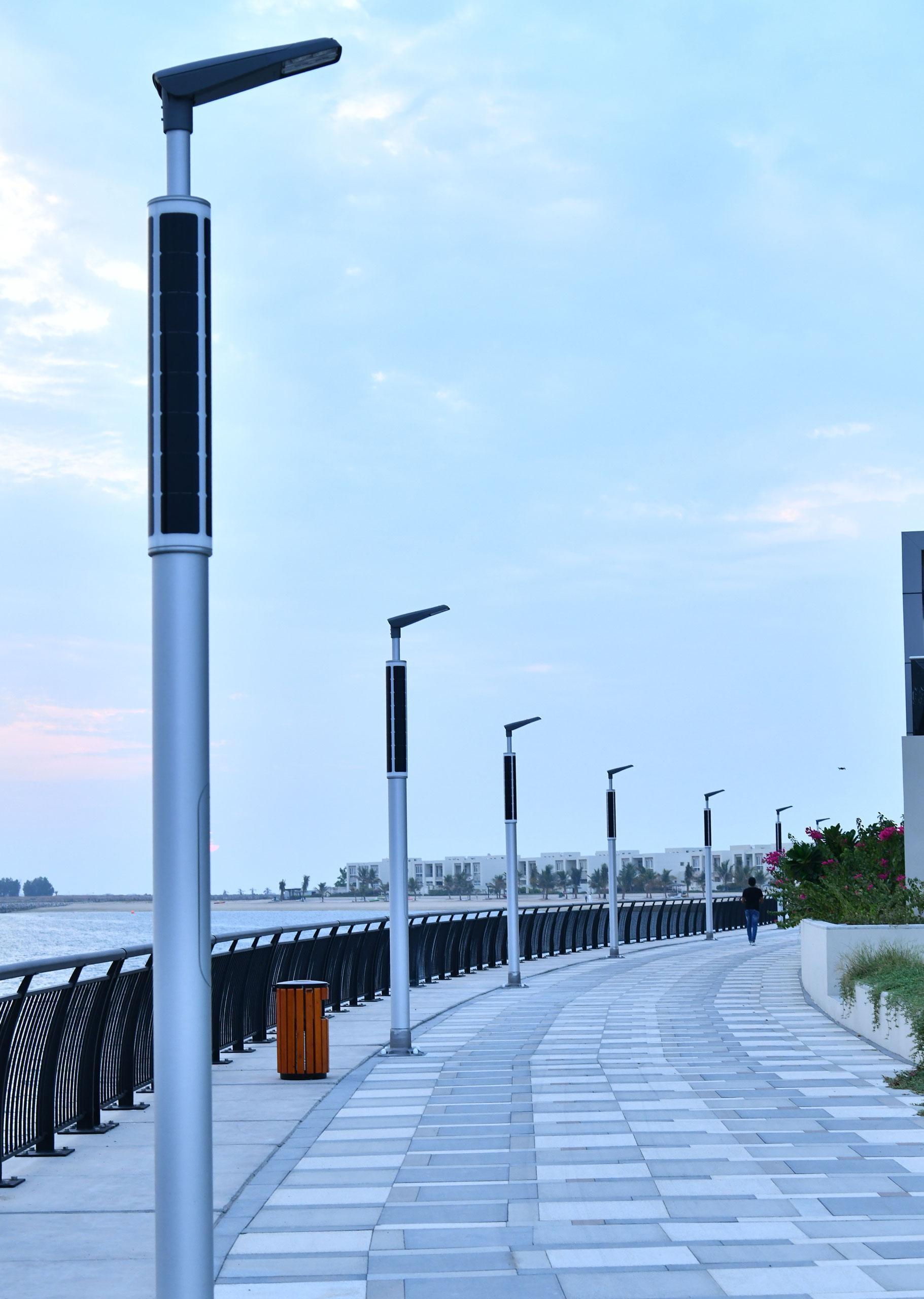 PV powered lighting at boulevard pathway