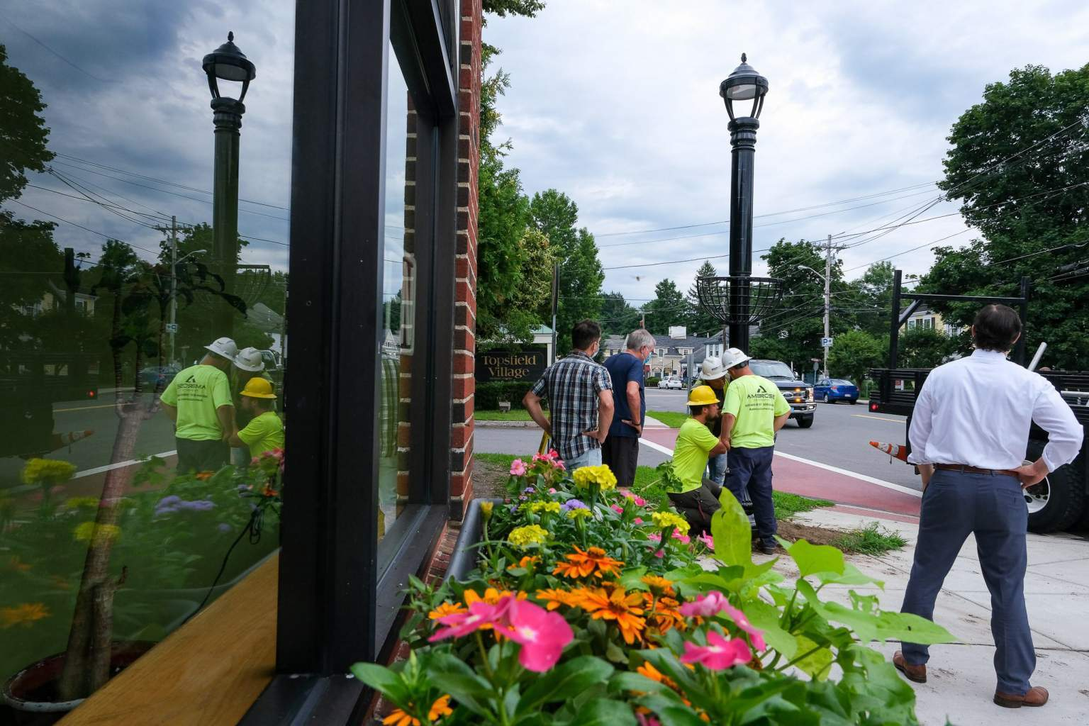 Soluxio solar poles with a traditional look in the city center of Topsfield, MA