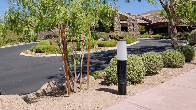 Solar-powered outdoor lighting by the NxT