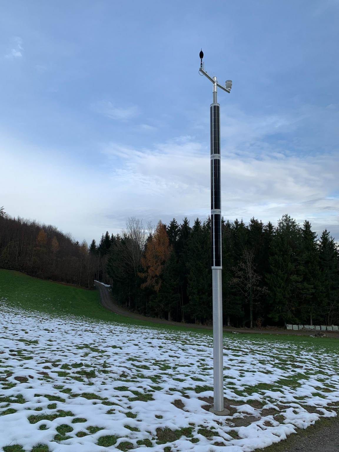 Soluxio smart pole connected